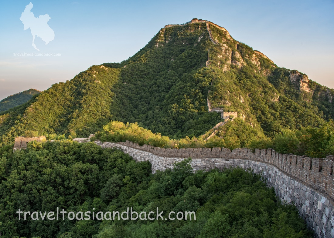 traveltoasiaandback.com - The northern approach to Beijingjie. Jiankou, Great Wall of China.