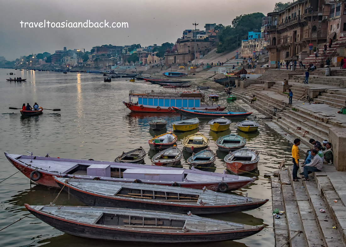traveltoasiaandback.com - The ghats of Varanasi, Uttar Pradesh, India